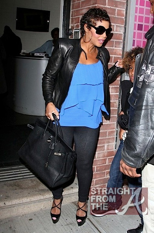 Toni Braxton Wendy Williams 040212-14
