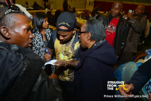 Jeezy Feeds Homeless-40