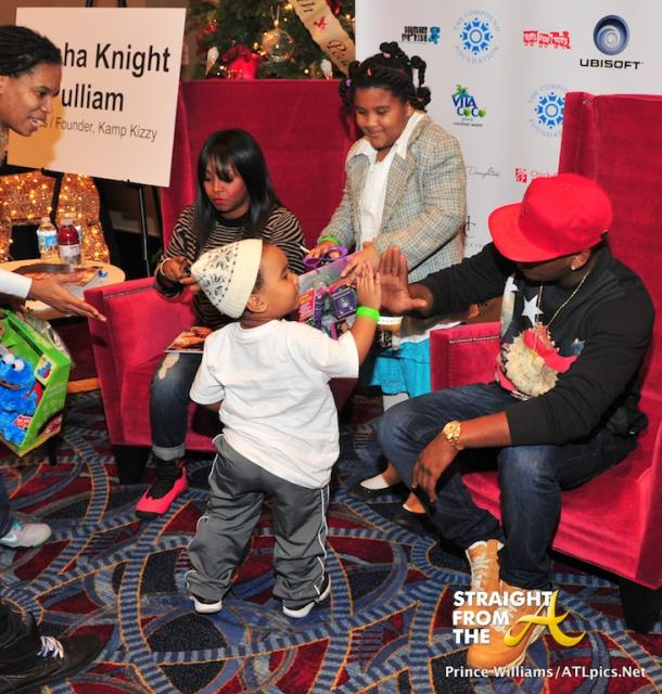 Neyo Compound Foundation Christmas Giving 2013-60