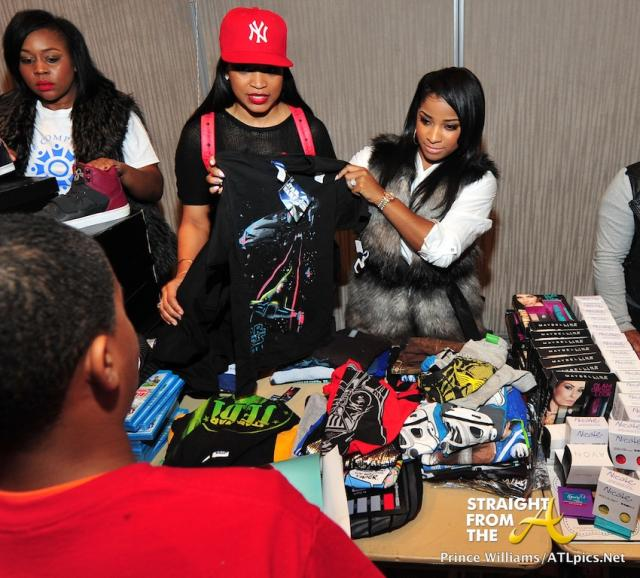 Neyo Compound Foundation Christmas Giving 2013-71