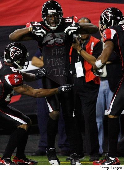 Falcons Players Support Vick ~ Lose to Saints 34-