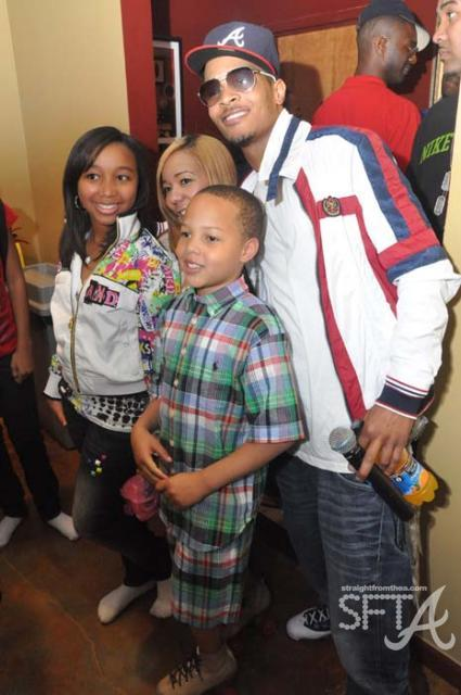 Family photo of the musician, dating Karrine Steffans, famous for Crank Dat.