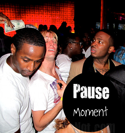 Pause Moment
