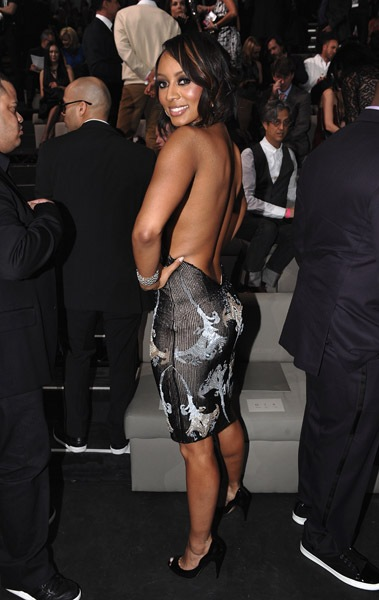 keri-hilson-backs