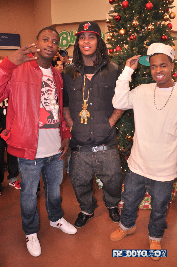 4564a6a07f30f2 Waka Flocka Flame & Gucci Mane Do Some Good in the Hood… - Straight ...