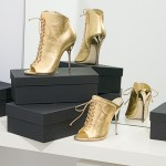 NickiMinaj-Giuseppe-Zanotti-shiny-gold-Spring-Summer-2011-Collection