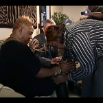 WTF?!? Atlanta Woman Grows 24 Inch Fingernails In Quest To Appear On Oprah… [VIDEO]