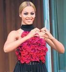 Beyonce Hearts Paris