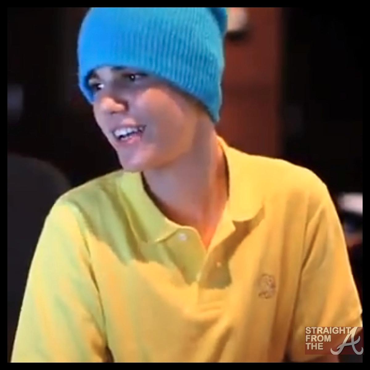Usher & Justin Bieber Make Beautiful Christmas Music Together… [VIDEO]