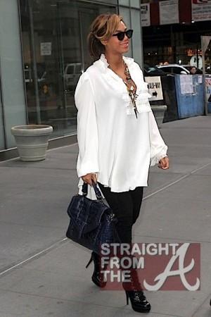 Beyonce NYC 110311-10