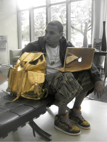 Chris Brown Gold Macbo...