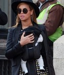 Beyonce Mama Tina and Blue Ivy Stroll in NYC - 031212-17