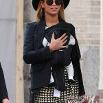 Beyonce Mama Tina and Blue Ivy Stroll in NYC - 031212-2