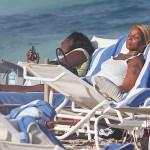 Mary j Blige Beach 031712-10