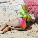 Nicki Minaj Filming Starship In Hawaii 031412-1