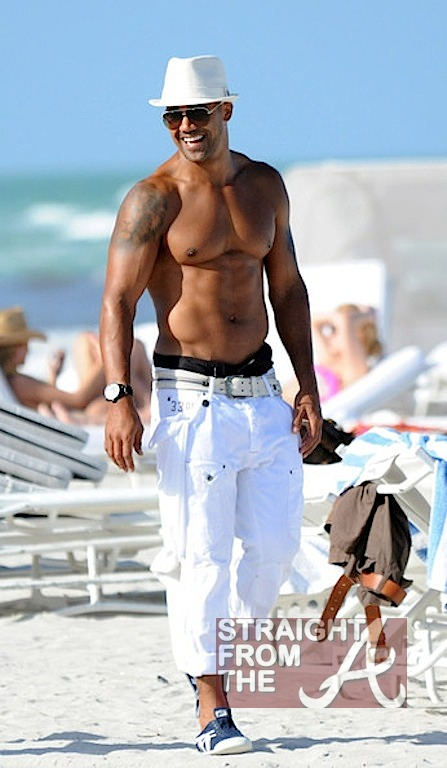 Beach Body Motivation Shemar Moore Bares 40 Body In