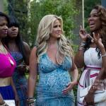 Pregnant-Kim-Zolciak-Chats-With-Kenya-Moore-and-Kandi-Burruss