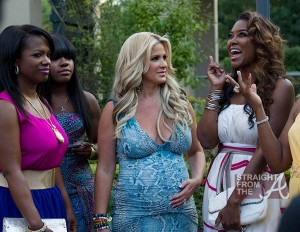 Pregnant-Kim-Zolciak-Chats-With-Kenya-Moore-and-Kandi-Burruss