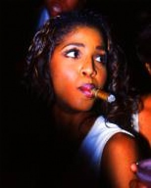toni-braxton-and-cigar-smoking-gallery
