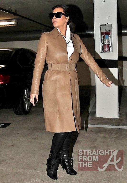 Kim Kardashian Pregnant-6