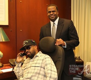 JD talks on the same phone Mayor Reed uses to call Pres. Obama rszd