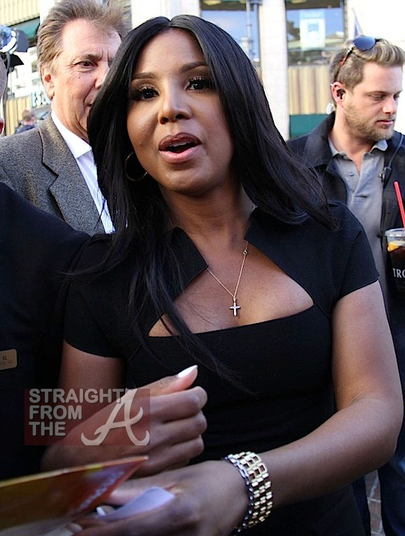 Toni Braxton on 'Extra' with Mario Lopez -12