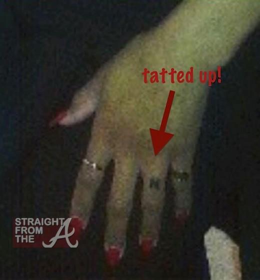 Ciara Ring Finger StraightFroMTheA