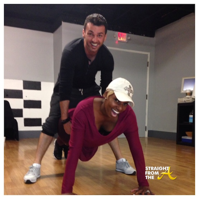 NeNe-Leakes-Doing-Pushups-With-Tony-Dovolani-Dancing-With ...