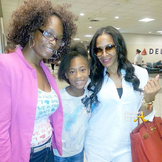 Sheree Whitfield w:Fan - Airport Pic 2015