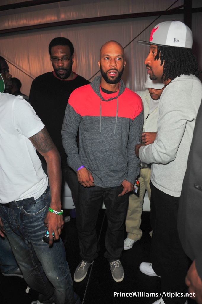 Drake Hosts NBA All-Star Party 022612 (21)