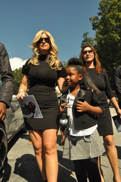 "Kim Zolciak & Kandi Burruss' daughter, Riley ~ Ashley ""AJ"" Jewell Funeral"