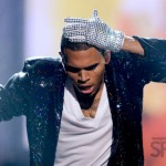 Chris Brown Cries Onstage: BET Awards 2010 Michael Jackson Tribute [VIDEO]