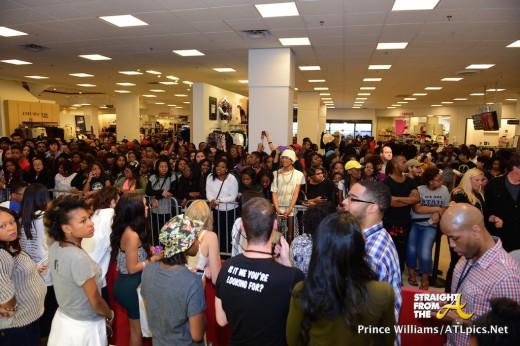 Rihanna Lenox Square Mall - StraightFromTheA-1